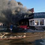 В Днепропетровской области выгорел ряд торговых павильонов: пожар тушили более 3-х часов, — ФОТО