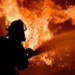 Во время пожара днепровские спасатели эвакуировали 30 человек, среди которых были дети