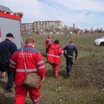 На Днепропетровщине спасали мальчика, который упал в четырехметровую яму с водой и мусором, — ФОТО