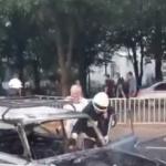 Огромная пробка в Днепре: посреди дороги загорелся автомобиль, — ФОТО