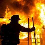 В Днепропетровской области пожарные спасли спящего человека с огня
