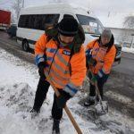 Как коммунальные службы в Днепре борются с последствиями снежного циклона, — ФОТО