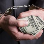 Полицейский Днепра обвиняется в вымогательстве 50 тысяч за закрытие уголовного дела