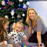 Невероятное тепло: Лилия Ребрик заворожила новогодней семейной фотооткрыткой