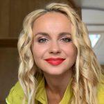 «Гимнастки рулят»: Лилия Ребрик поразила идеальной растяжкой на каблуках