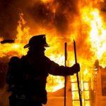На Днепропетровщине спасли мужчину на пожаре
