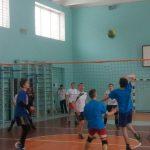 В Каменском ученики лицея и колледжей играли в волейбол