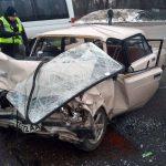 В Днепре столкнулись грузовик с легковушкой: двое людей пострадали, — ФОТО