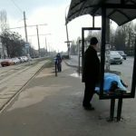 В Каменском на остановке трамвая умер пожилой мужчина