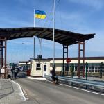 Пасажиропотік через адмінкордон з окупованим Кримом зменшився вдвічі у березні – міністерство