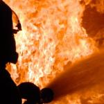 Под Днепром загорелся балкон в девятиэтажке: огонь потушили за две минуты, — ФОТО
