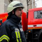 В Днепре горел прицеп грузового автомобиля, — ФОТО, ВИДЕО