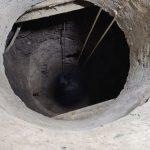 Начало засасывать в глину: в Днепре спасатели достали мужчину из колодца глубиной 23 метра, — ФОТО