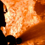 В Днепре на территории частного дома произошел пожар, — ФОТО