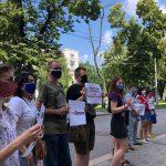 Под ДнепрОГА прошла акция против нового и.о. министра образования Сергея Шкарлета, — ФОТО