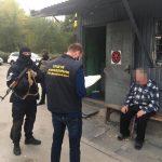 В Днепре задержали 58-летнего мужчину, которого подозревают в рейдерском захвате рынка, — ФОТО