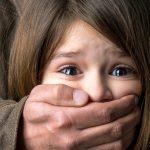 Под Днепром родители снимали и распространяли порно с трехлетней дочерью