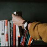 Днепрянам на заметку: 7 книг украинских писателей, которые «переворачивают мир с ног на голову»