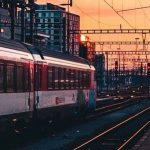 """На вокзале """"Днепр-Главный"""" перекрыли вход в тоннели, — ФОТО"""