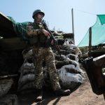 Минулої доби бойовики на Донбасі 12 разів порушили режим тиші, вранці загинув військовий – штаб ООС