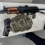 В Днепре сотрудники ГБР задержали опера с автоматом «Калашникова»