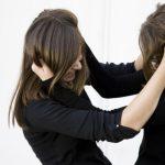 В Днепре несовершеннолетние девушки устроили «дуэль» из-за парня (Видео)