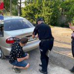 В Кривом Роге мать прикованного цепью мальчика набросилась на журналистов