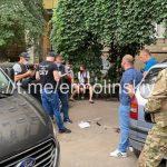 В Кривом Роге силовики провели операцию по задержанию подозреваемого в тяжких преступлениях