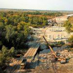 «Укравтодор» строит на трассе Днепр-Решетиловка эстакаду вместо трех мостов