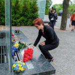Аллею памяти возле ДнепрОГА посетила первая иностранная делегация